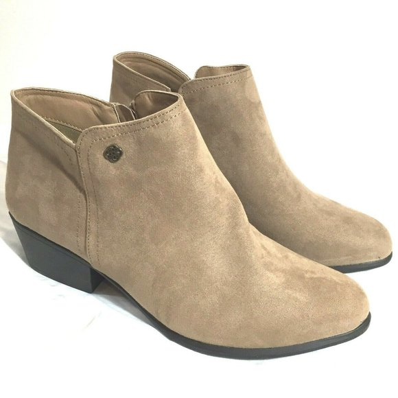 Daisy Fuentes Shoes Daisy Fuentes Boots Womens 95 W Low Cut Size Poshmark Fox news flash top headlines for may 30 are here. daisy fuentes boots women s 9 5 w low cut size
